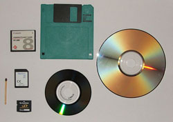({{PhotoByXell|Various (mass) storage devices}})